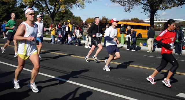 Treino para maratona e running com eletroestimulação compex e globus. Fonte imagem www.sxc.hu